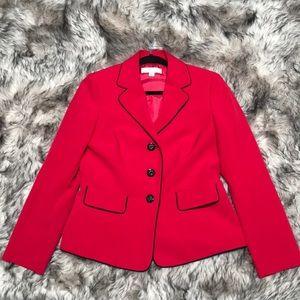Gorgeous red blazer!